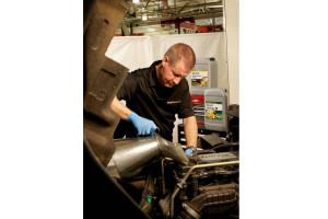 Wybór środków smarnych, a wydajność pojazdów – rozmowa z ekspertem firmy ExxonMobil