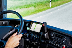 Aplikacja Navitel Navigator z funkcją ciężarówki