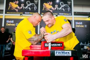 Mistrzowie armwrestlingu na Motor Show Truck