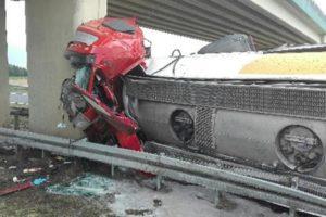 Trudno uwierzyć, że kierowca wyszedł z tego cało