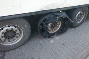 Rosyjska ciężarówka w fatalnym stanie (z trudem) zatrzymana na A4