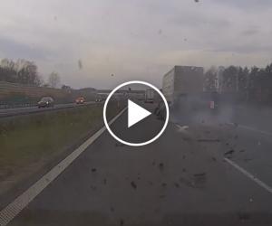 ITD nagrało dramatyczny wypadek na A2