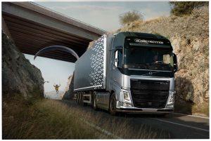 Kolejne wyzwanie Volvo Trucks, tym razem zparalotniarzem