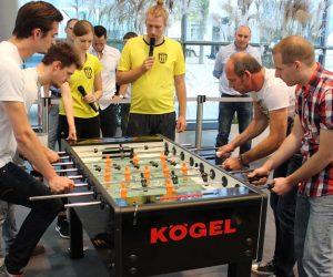 Firma wygrywa naczepę za grę w piłkarzyki