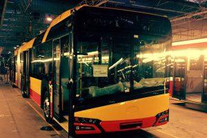Warszawa przetestuje 18-metrowego elektrycznego Solarisa