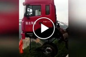 Kompilacja najdziwniejszych wypadków ciężarówek