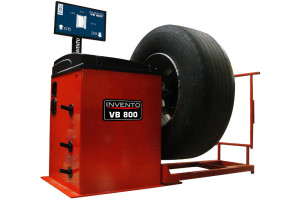 Ciężarowa wyważarka VB800 – nowy model ekonomicznej linii Invento