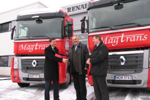 10 Renault Magnum dla Magtransu