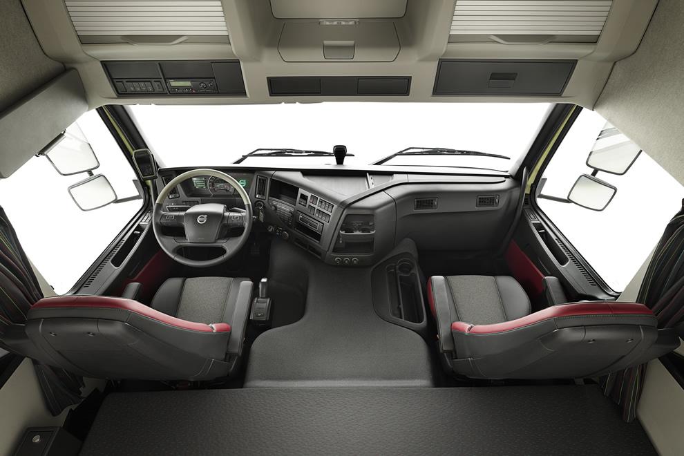 Chłodny Volvo FMX: nowa, bardziej wytrzymała iergonomiczna kabina OE02