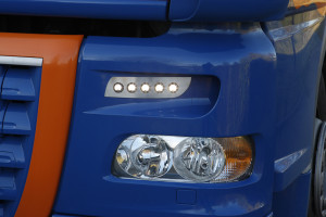 Większa wydajność floty pojazdów dzięki oświetleniu HELLA