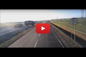 Co powinien zrobić kierowca ciężarówki takiej sytuacji?
