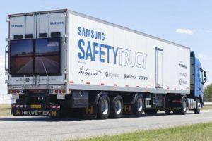 Pierwsza ciężarówka ułatwiająca wyprzedzanie już na drogach