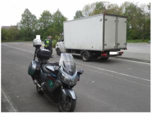 Co grozi kierowcom przeładowanych dostawczaków?