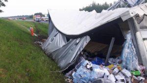 Kilkanaście godzin utrudnień na A4 po wypadku ciężarówki [WIDEO]