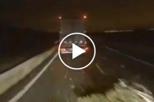 Imigranci próbują zablokować drogę polskim ciężarówkom
