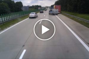 Policja stwarza zagrożenie na autostradzie