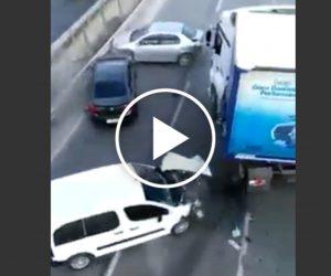 Zawracał na autostradzie – efektu można było się spodziewać