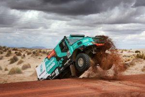 Podium Dakaru na standardowych oponach