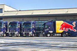 Trzy Renault Trucks T dla Red Bull Racing