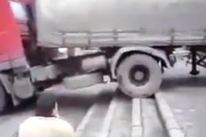 Ciężarówką z naczepą po schodach? Żaden problem