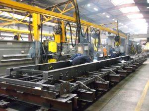 Producenci ciężarówek wznawiają produkcję