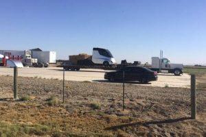 Ciężarowa Tesla przyłapana przed premierą