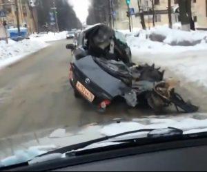 Niezwykła ucieczka pijanego kierowcy...połową auta
