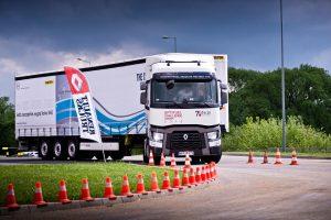 Kierowcy zawodowi jeżdżą coraz bezpieczniej