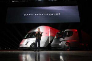 Tesla chce sprzedać 100 tys. elektrycznych ciężarówek w 2022 r.