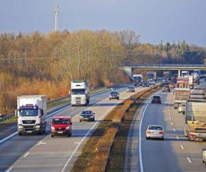 Projekt zmian w ustawie o transporcie drogowym przyjęty. Co się zmieni?