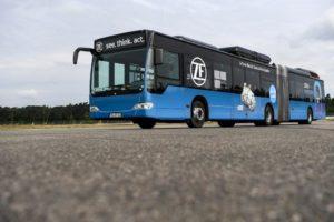 Gotowe rozwiązania napędów elektrycznych koncernu ZF wspierają producentów ciężarówek i autobusów w rozwoju e-mobilności
