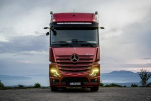 Premiera: nowy Mercedes Actros