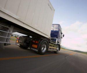 3/4 pojazdów ciężarowych w Polsce nie spełnia norm oznakowania odblaskowego