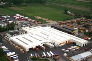 Wielton zwiększa udziały na spadającym polskim rynku