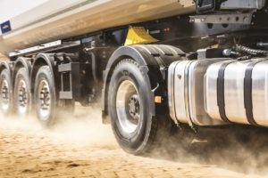 Opony do ciężarówek: czym różnią się od siebie poszczególne typy