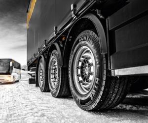 Zimowe wyposażenie ciężarówki w różnych krajach – aktualne przepisy