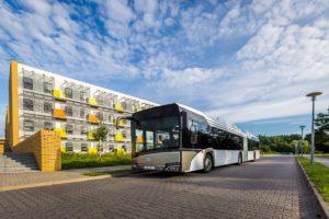 Berlin zamawia przegubowe elektrobusy Solarisa
