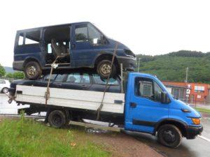 Dwa auta jedno na drugim i.. pijany kierowca