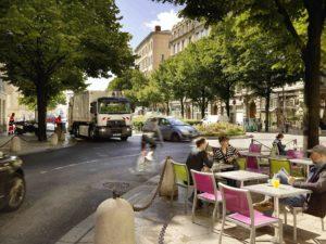 Elektryczne Renault D Wide Z.E. na ulicach Lyonu
