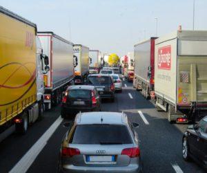 Sytuacja na granicach coraz gorsza – organizacje transportowe apelują