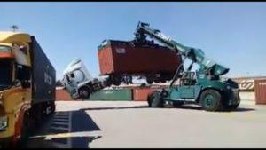 Ciężarówka idzie do kąta [film]