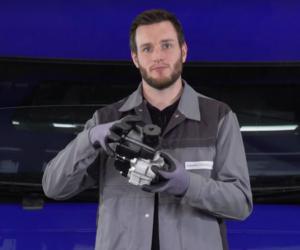 Wymiana pompy wspomagania kierownicy w ciężarówce [Film]