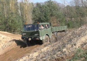 Wojskowa Tatra 8×8 w akcji [FILM]