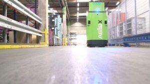 DB Schenker wdraża autonomiczne wózki widłowe