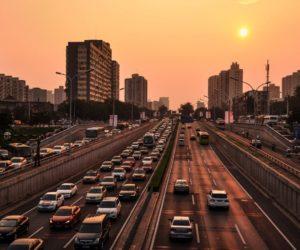 Drogi w miastach rozjeżdżone – winne ciężarówki