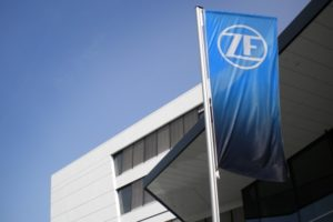ZF sprzedaje jedną ze swoich spółek