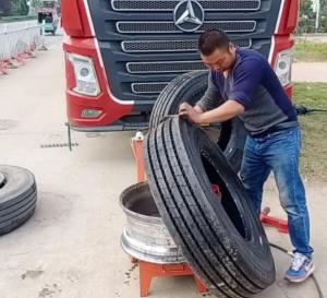Szybki pokaz jak wymienić oponę w ciężarówce [FILM]