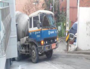 Ciężarówką przez miejskie uliczki [FILM]