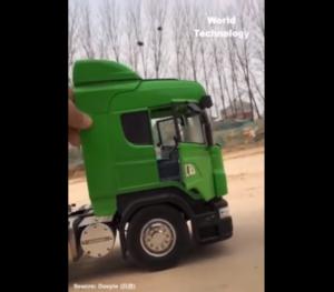 Ciężarówka zmniejszona do skali zabawki [FILM]