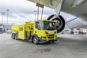 Pojazdy Scania na lotnisku w Liège